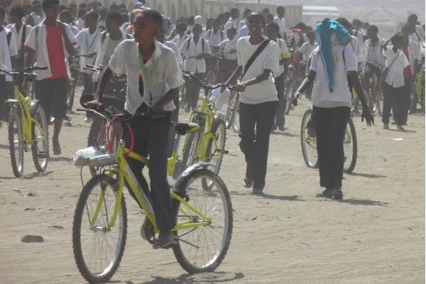 Donare Una Bicicletta Significa Facilitare Il Raggiungimento Della Scuola